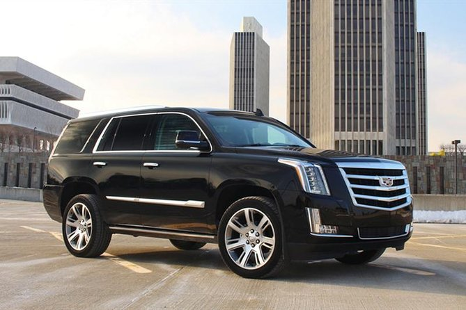 Chicago Departure Private Transfers from Chicago to Airport ORD in Luxury SUV
