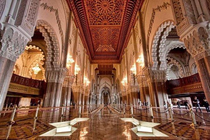 https://media.tacdn.com/media/attractions-splice-spp-674x446/07/38/29/e8.jpg