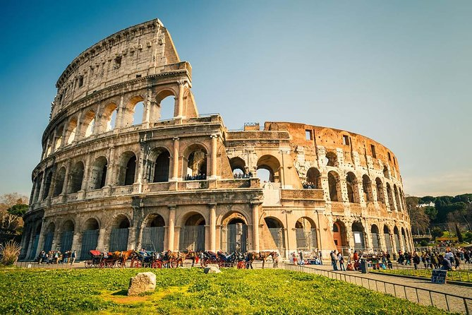 Private tour in Rome with an Electric bike and Local Food