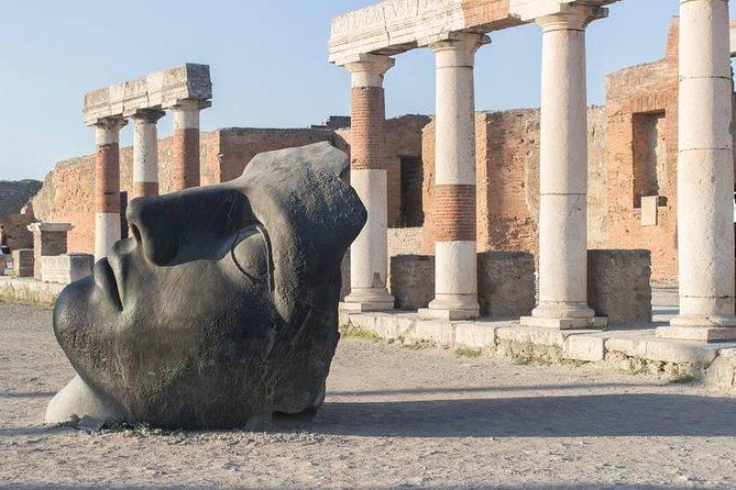 Pompeii: tour with small group