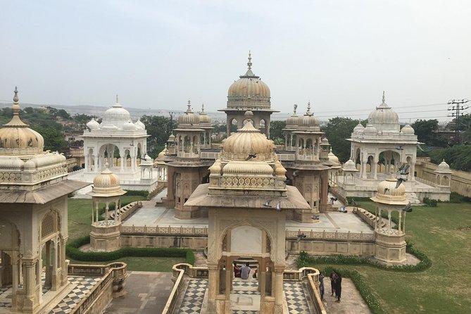 Jaipur sightseeing with English speaking driver