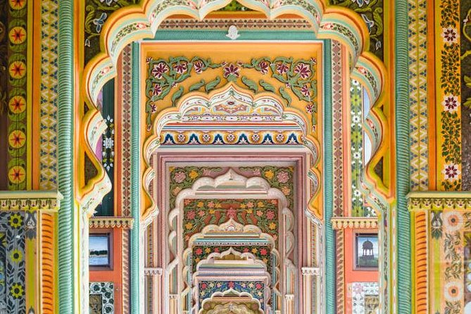 Jaipur Forts & Palaces Tour from Delhi