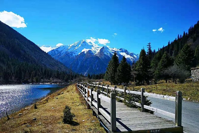 Dagu Glacier-Songpinggou Valley 3-day tour