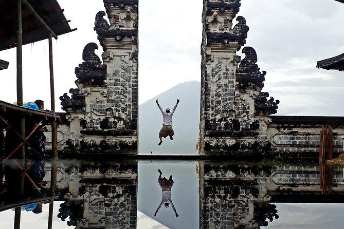 Gate of Heaven Lempuyang Luhur Temple & Cepung Waterfall