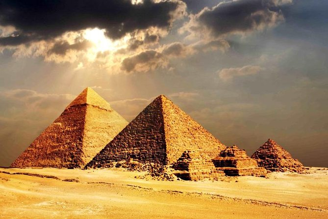 Pyramids of Giza and Egyptian Museum Tour