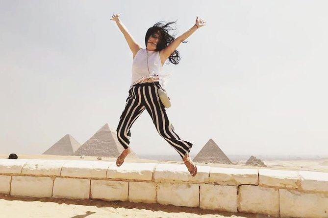 Pyramids Day Tour: Day Tour to Giza Pyramids, Sakkara and Dahshur Pyramids