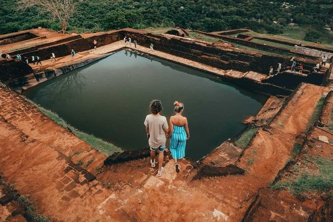 Sigiriya Rock Fortress and Cave Temples Day Trip
