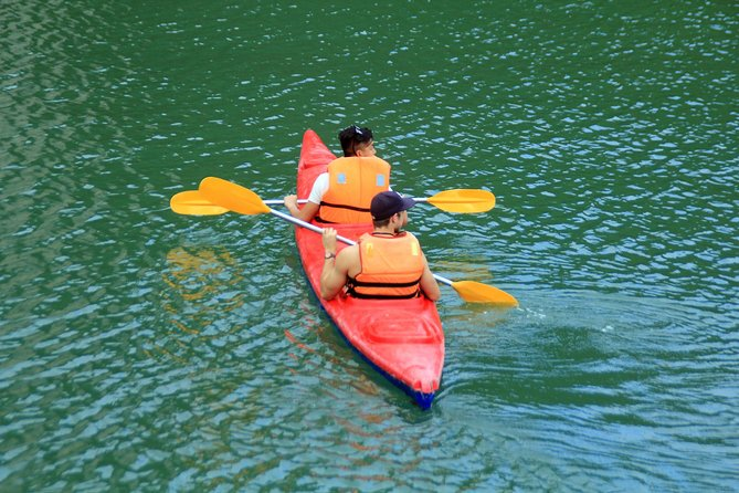 Halong bay 10 hours cruise trip: Swimming, kayaking, Titop island, dark cave