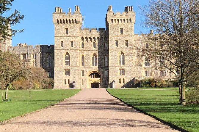 Windsor Castle and Hampton Court Private Car Tour