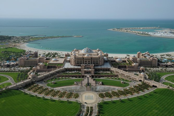 Emirates Palace Guided Tour with Cappuccino