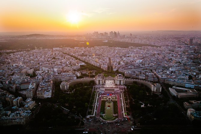 Skip the Line: Small-Group Eiffel Tower Sunset Tour photo 3