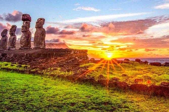 Easter Island 4-Day Tour: Moai Statues, Ahu Akivi, Akahanga