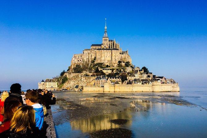 Visite privée du Mont-Saint-Michel au départ de Paris en véhicule de luxe – Service VIP