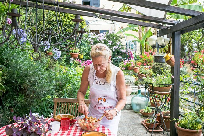 Dining experience at a local's home in Cinque Terre with show cooking