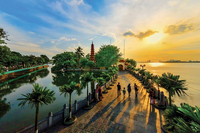 Private Tour: Hanoi City Full-day Including Cyclo and Water Puppet Show