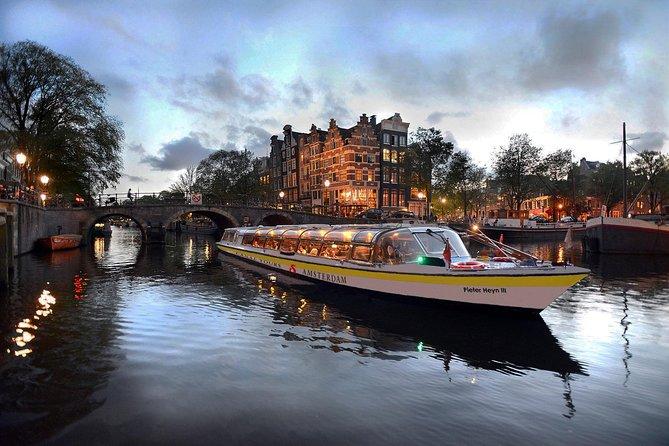 Cruzeiro pelos canais de Amsterdã com refeição preparada a bordo