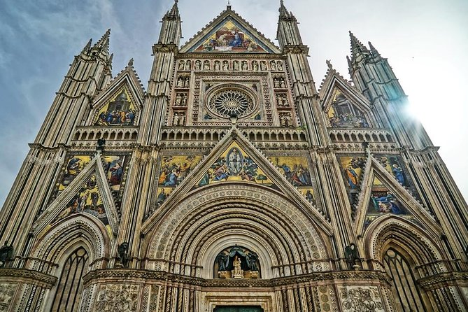 Private Transfer: Florence to Rome with Stop in Orvieto