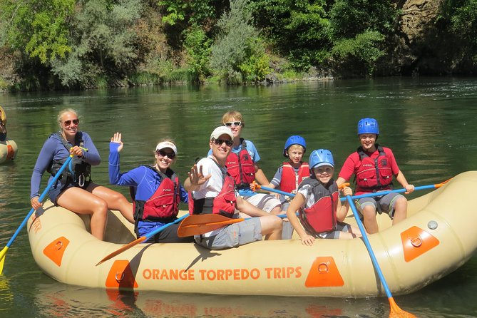 Family enjoying the Rogue River
