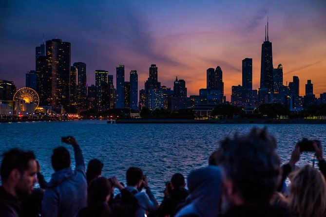 Chicago by Night: 90 Minute River and Lakefront Cruise