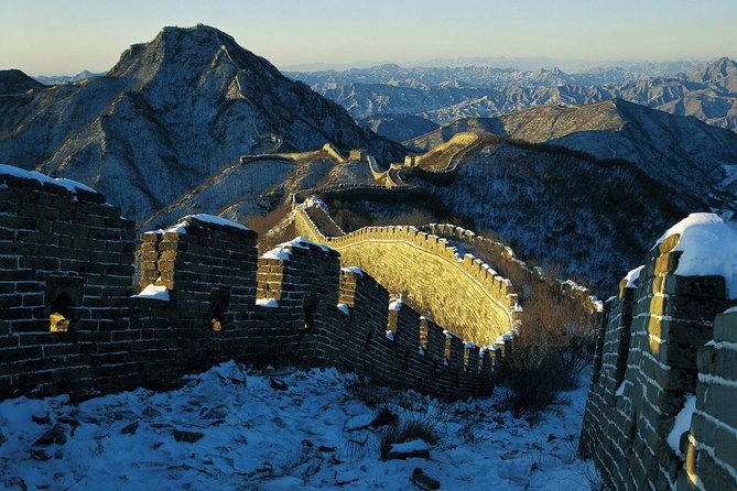 All-Inclusive Private Hiking Trip to Unrestored Great Wall Jiankou to Mutianyu
