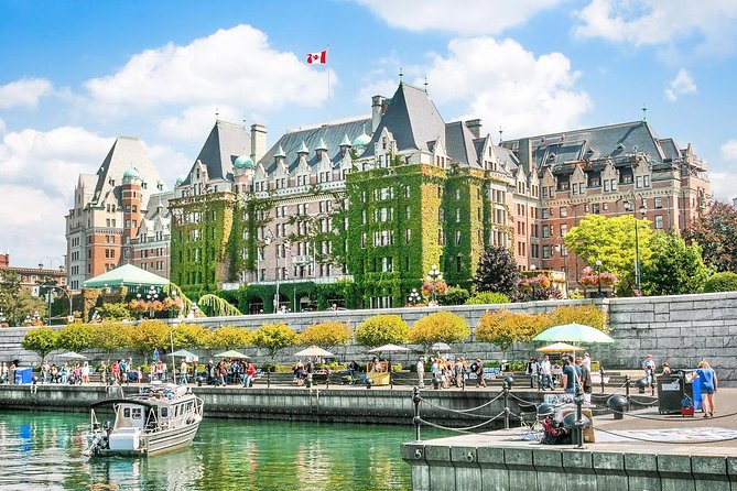 Private Sightseeing Tour: Victoria & Butchart Gardens (13 hrs)