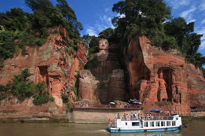 Research Center of Giant Panda Breeding and Leshan Giant Buddha Bus Tour