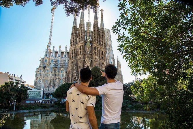 Sagrada Familia Facades Private Gay Tour