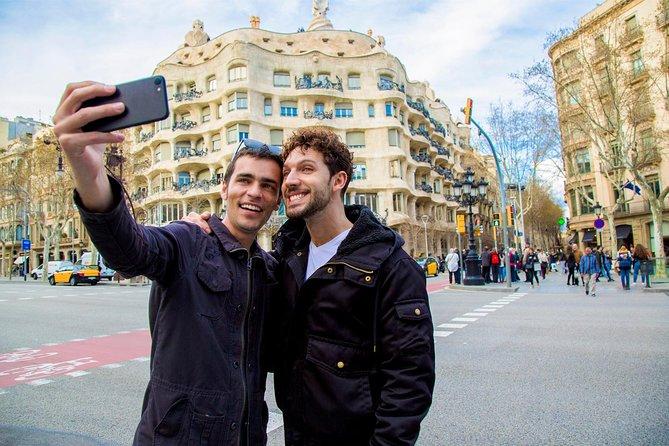 Tour privato a piedi gay-friendly con Sagrada Famlia e Casa BatlloTickets
