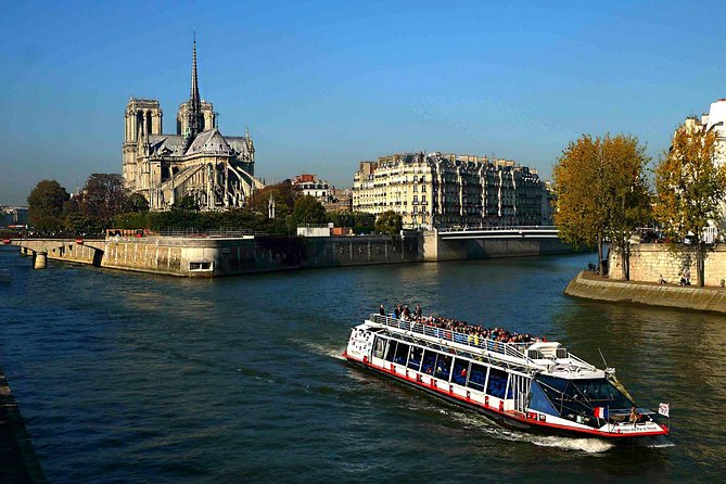 Seine River Cruise on board Vedettes du Pont Neuf