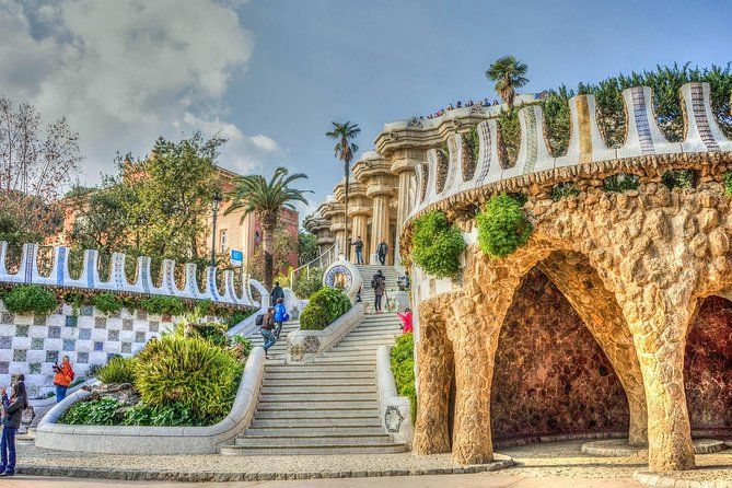Park Güell Guided Tour with Skip the Line Ticket