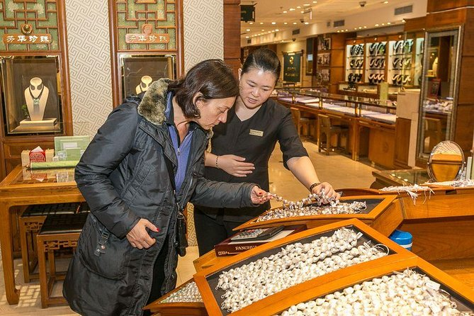 Private Beijing Markets Tour with Tea Tasting at Hongqiao Pearl Market photo 4