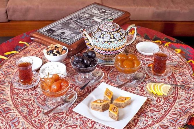 Salam Baku with Welcome Tea Set