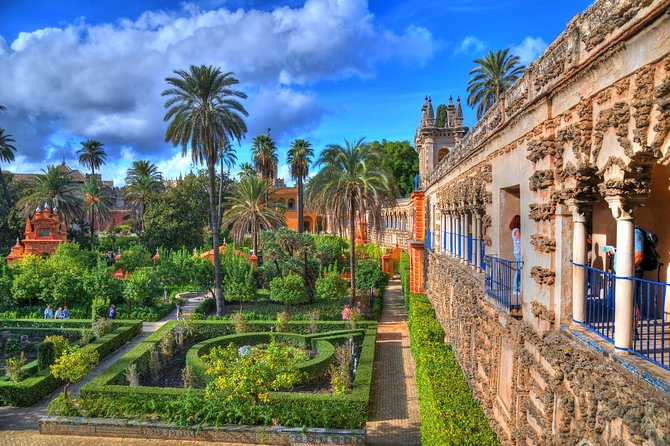 Skip the line: Alcazar Guided Tour in Seville photo 4
