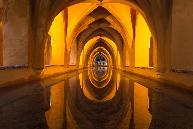 Skip the line: Alcazar Guided Tour in Seville photo 2