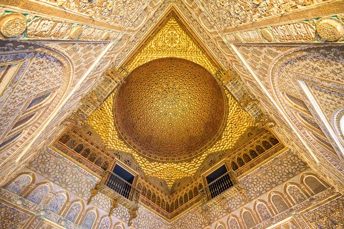 Skip the line: Alcazar Guided Tour in Seville photo 9