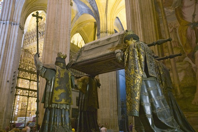 Skip-the-Line Seville Cathedral Guided Tour photo 2