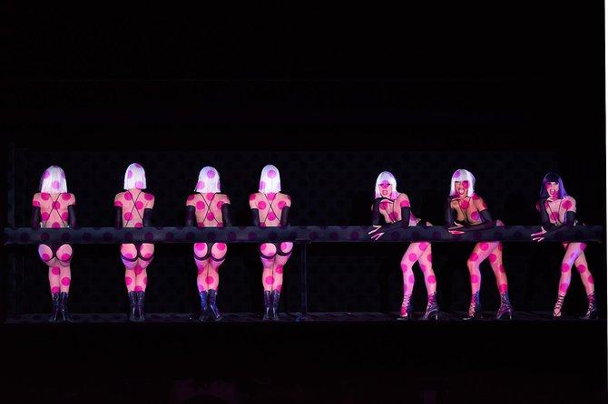 Crazy Horse Cabaret New Show in Paris, Paris, FRANCIA