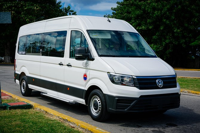 Cozumel: Private VIP Tour by Van (up to 9 passengers)