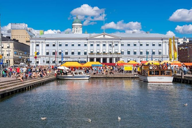 The Best of Helsinki on a Walk and Talk Private Tour