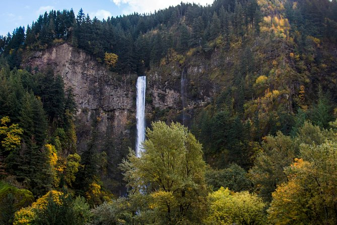 Columbia Gorge National Scenic Area: All-Inclusive Day Tour from Portland
