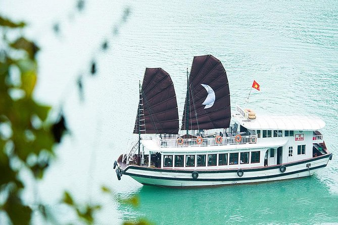Halong Bay Full-Day Cruise with Kayaking from Hanoi photo 7