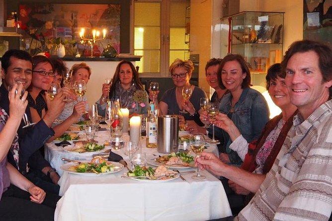 Cena holandesa auténtica con un local en Amsterdam