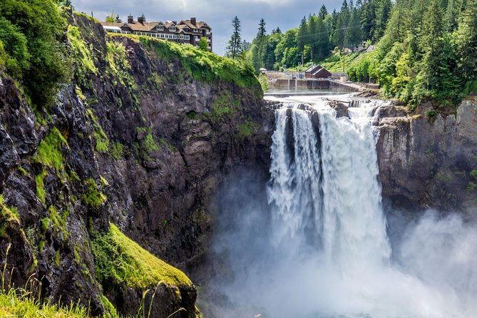 Snoqualmie Falls & Leavenworth German Town Tour From Seattle