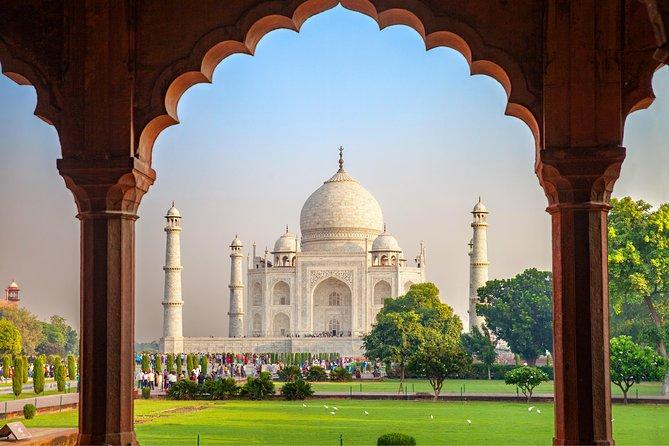 Private Taj Mahal & Agra Tour from Jaipur by Car