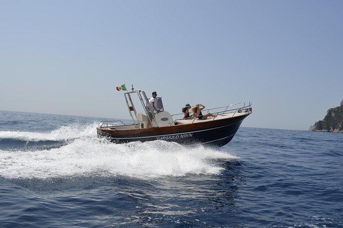 Tour of Capri by private boat