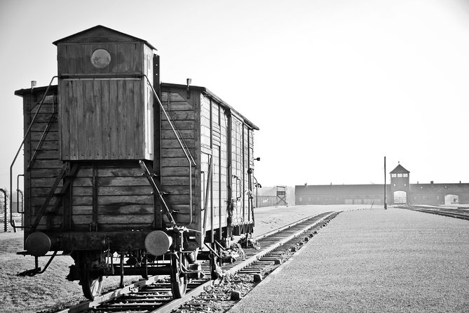 Auschwitz - Full Day Tour from Warsaw by private car