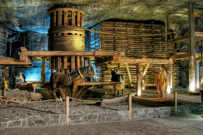 Krakow and Salt Mine Visit - Full Day Tour from Warsaw by private car