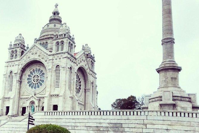 Santiago de Compostela and Viana do Castelo full-day private tour from Porto