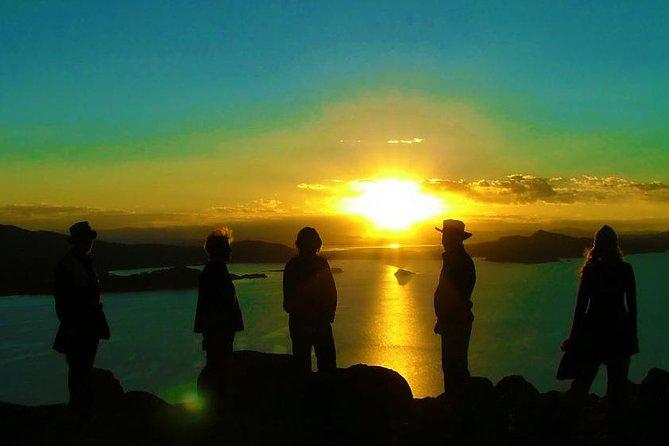 Durante la noche: Homestay del lago Titicaca y disfraces con los locales.