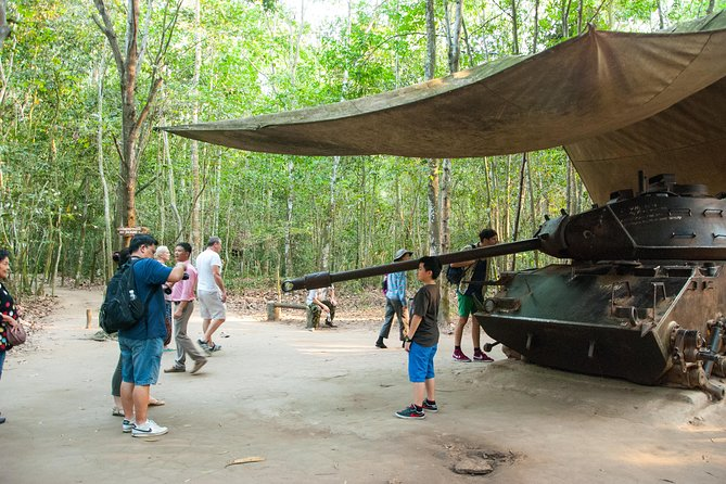 Day Trip to Cao Dai Temple and Cu Chi Tunnels, Including Lunch